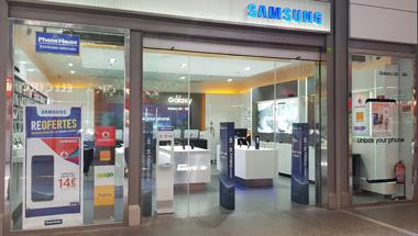 Tienda Samsung en Cornella de Llobregat (Barcelona) . Teléfono y ... d0fccdf22a3